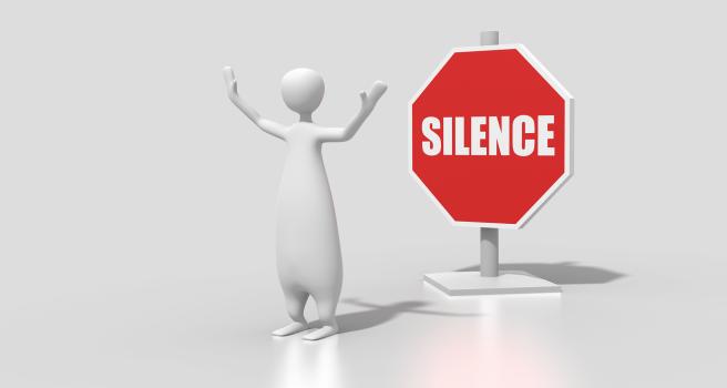 El Yunque rompe su silencio, pero continúa con la mentira